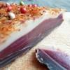 Magret de canard séché aux poivres et piment d'Espelette