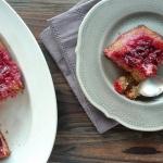 Gâteau moelleux renversé aux prunes