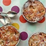 Clafoutis à la rhubarbe, fromage blanc de brebis et huile d'amande {sans gluten}