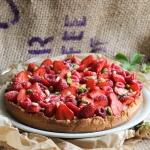 Tarte aux fruits rouges et pignons {vegan}