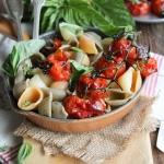 Salade de pâtes aux tomates confites et au basilic