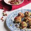 Truffes au roquefort, pistache et cranberry