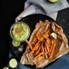 Frites de patate douce et crémeux d'avocat {vegan - sans gluten}