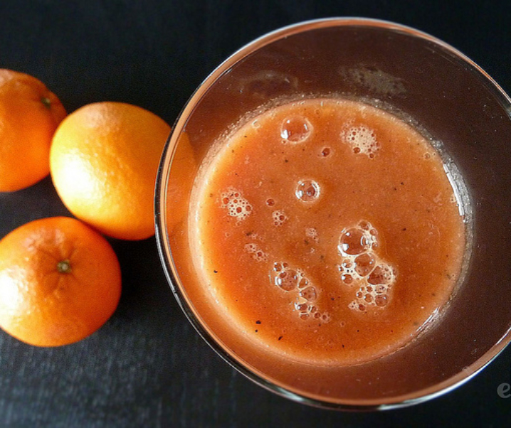 Smoothie orange, tamarillo, passion