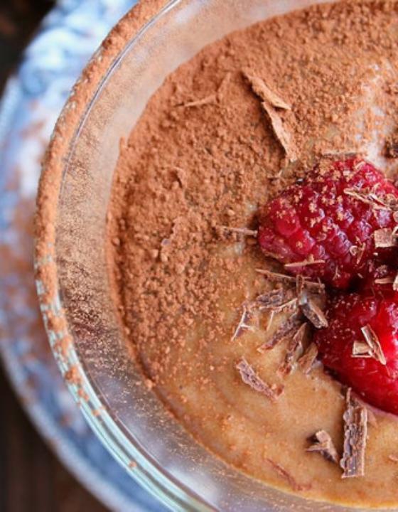 Mousse au chocolat praliné et framboises