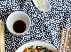 Riz frit aux légumes et au tofu