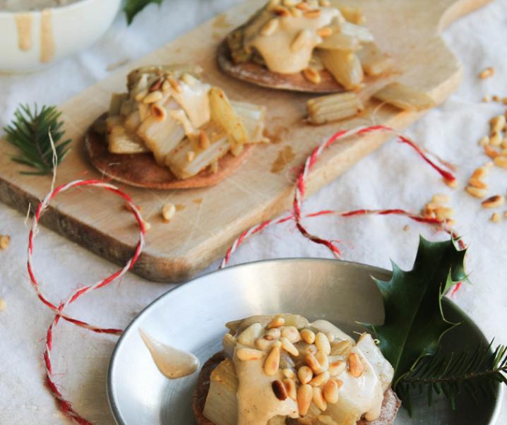 Tartelette de cardons sauce tahiné {vegan}