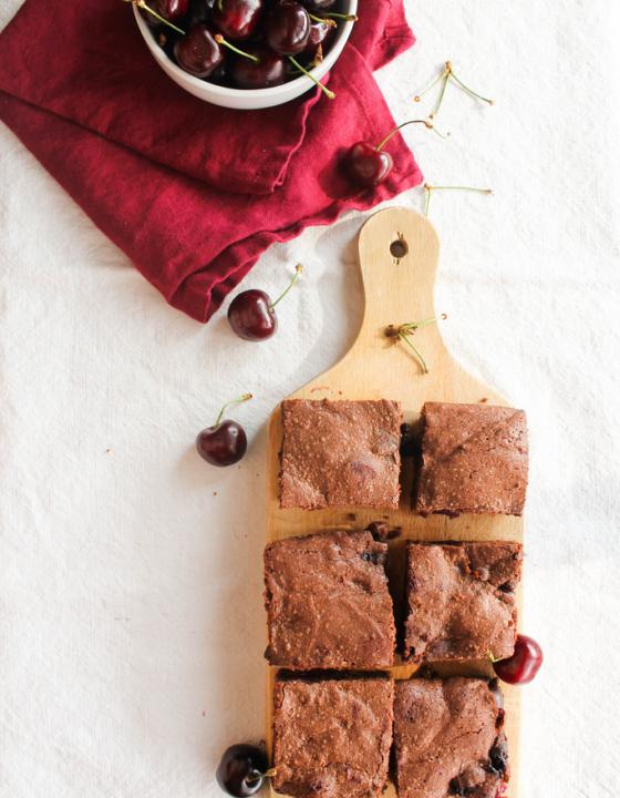 Brownie aux cerises {sans gluten – sans lait}