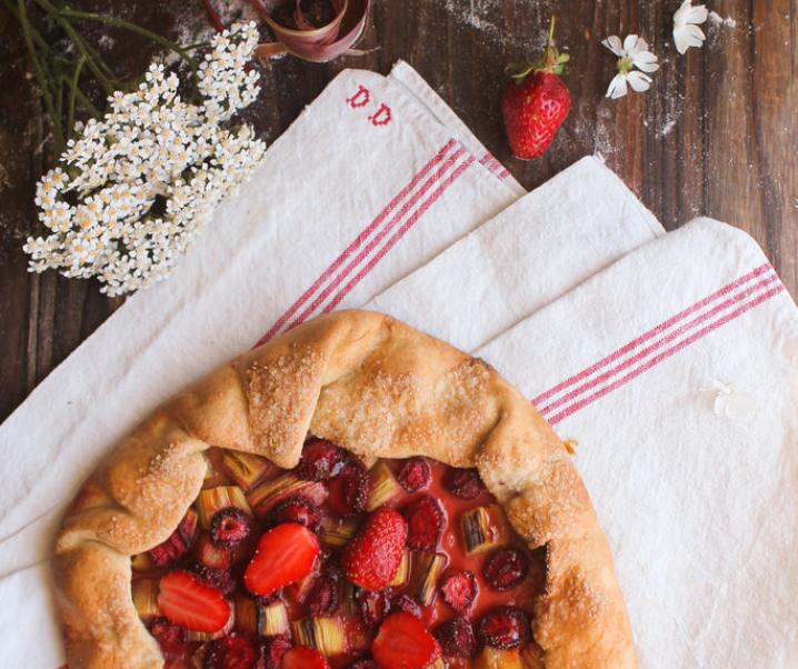Tarte rustique fraise rhubarbe {vegan}