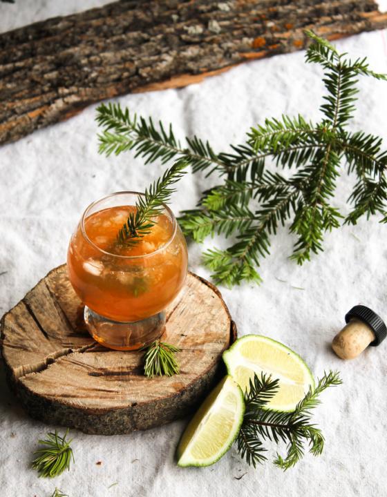 Cocktail calvados le «pomme de pin»