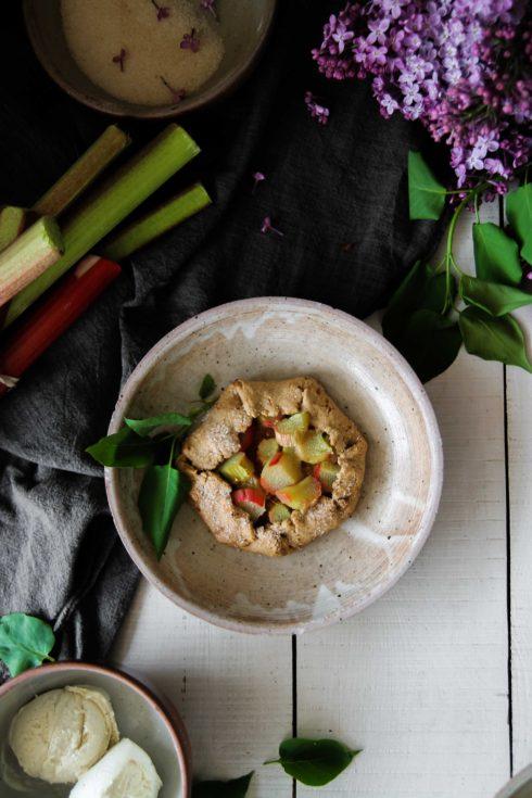 Tartelettes rustiques à la rhubarbe