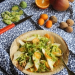 Salade de choux de Bruxelles, poires et kumquats