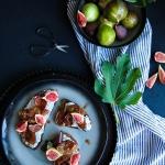 Fromage vegan à tartiner et figues rôties