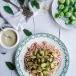 Riz complet aux choux de Bruxelles et sauce aux lentilles {vegan - sans gluten}