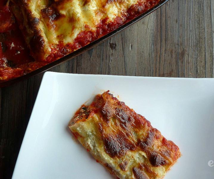 Cannelloni ricotta épinards et sauce tomate au basilic