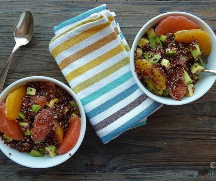 Salade de quinoa, avocat et agrumes