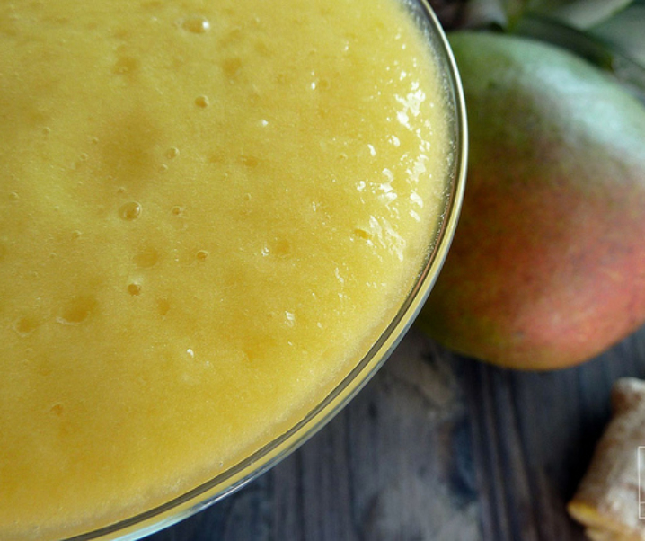 Smoothie mangue, ananas, gingembre, « le stimulant »