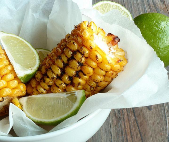 Gekruid geroosterde maïs en kalk