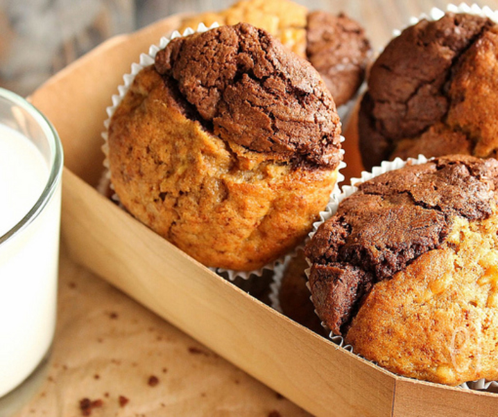 Muffins bicolores chocolat, banane et vergeoise